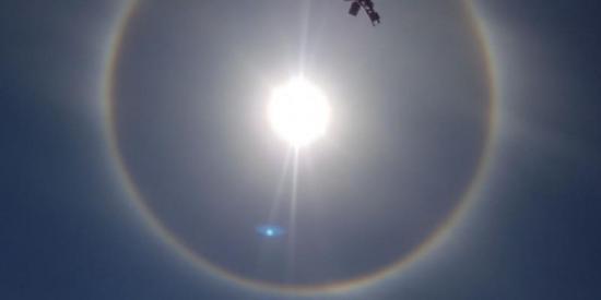 Gran anillo arcoíris alrededor del sol sorprende a miles de chilenos