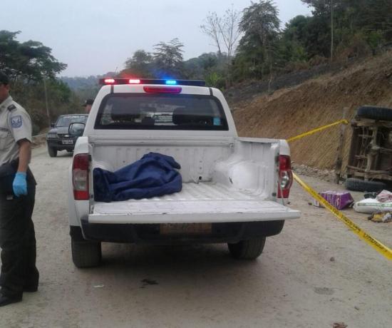 Dos niños y su tío mueren en trágico accidente de tránsito