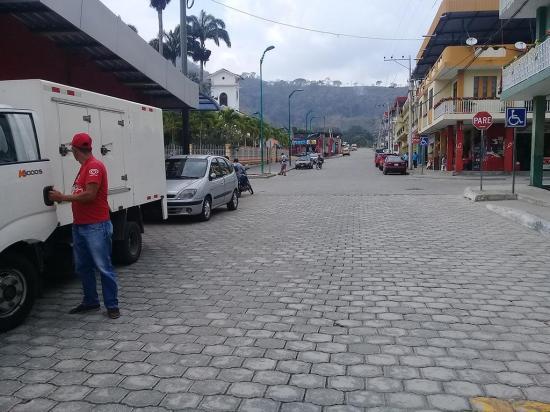 Instalarán centro de transferencia de vehículos en la parroquia Sucre