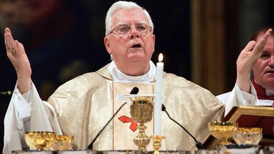 Muere el cardenal Law, considerado encubridor de curas pederastas en Boston