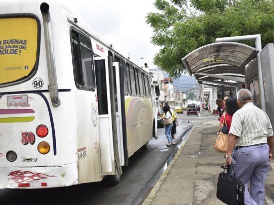 Hay un déficit de 228 paradas de buses