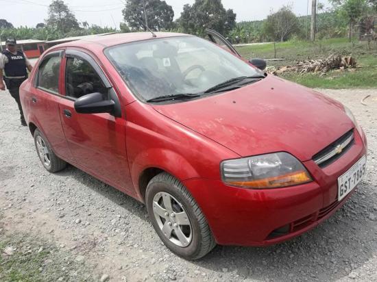 Recuperan carro reportado robado