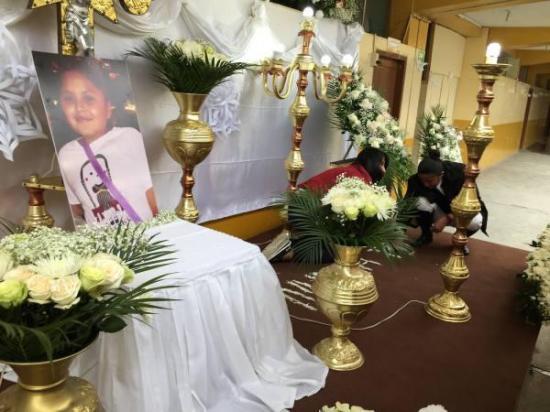 Tres días de luto en escuela donde estudiaba Emilia Benavides