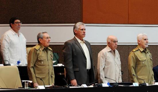 Cuba prolonga dos meses la última legislatura de Raúl Castro