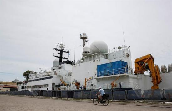 Varios buques siguen buscando submarino argentino tras 36 días desaparecido