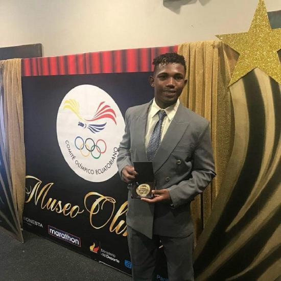 Frixon Chila recibió reconocimiento del Comité Olímpico
