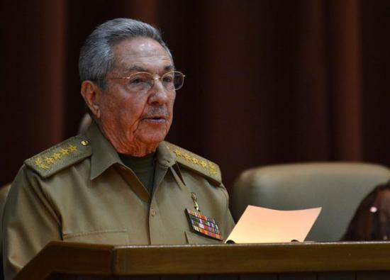 Raúl Castro pospone su marcha y dejará el poder el 19 de abril de 2018