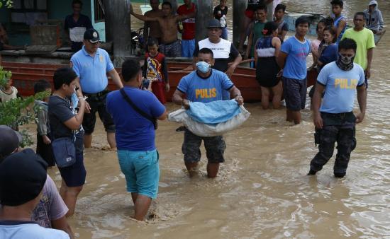 Tormenta Tembin deja más de 130 muertos en el sur Filipinas