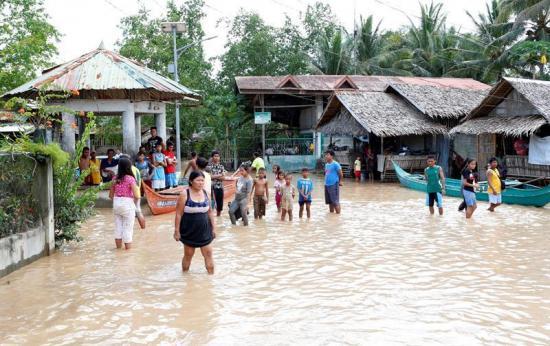 La tormenta Tembin deja Filipinas tras causar unos 200 muertos en el sur
