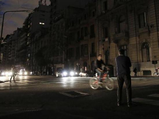 Cerca de 95 mil argentinos están sin servicio eléctrico
