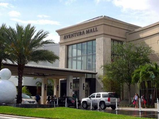 Falsa alarma de tiroteo causó pánico en centro comercial de Miami