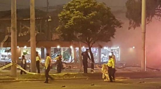 Un muerto y dos heridos tras explosión en restaurante en Nochebuena en Quito