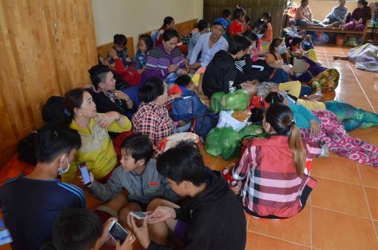 Evacúan 650.000 en Vietnam por la tormenta Tembin, que mató 240 en Filipinas