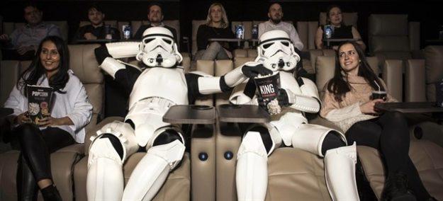 'Star Wars' celebra la Navidad como líder de la taquilla en EE.UU.