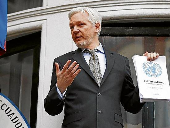 La cuenta de Assange desaparece de Twitter
