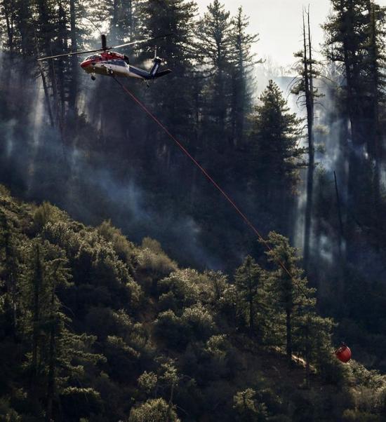 Los bomberos controlan casi por completo el incendio en California