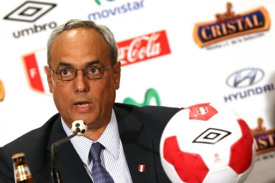 Expresidente de fútbol peruano es absuelto en el caso 'FIFA Gate'