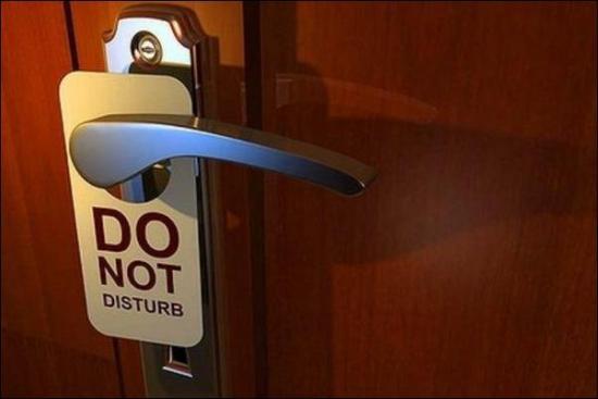 Disney prohíbe los carteles de 'No molestar' en sus hoteles