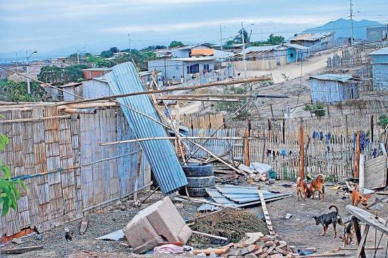 Seis casas afectadas por ventarrón