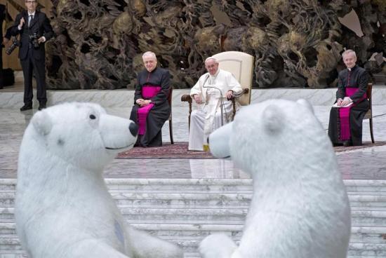 El papa lamenta la 'desnaturalización' de la Navidad
