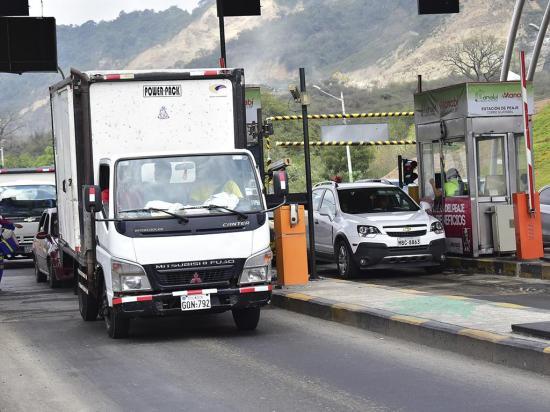 Más de 2,7 millones de carros han circulado por el peaje en este año