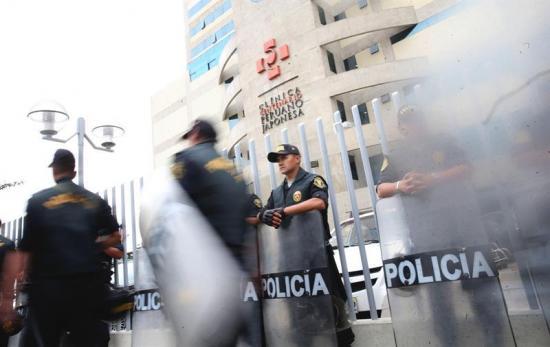 Comienzan en Perú multitudinarias marchas contra el indulto a Fujimori