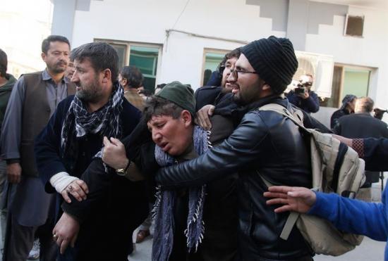 Un atentado suicida deja más de 40 muertos y 80 heridos en Afganistán