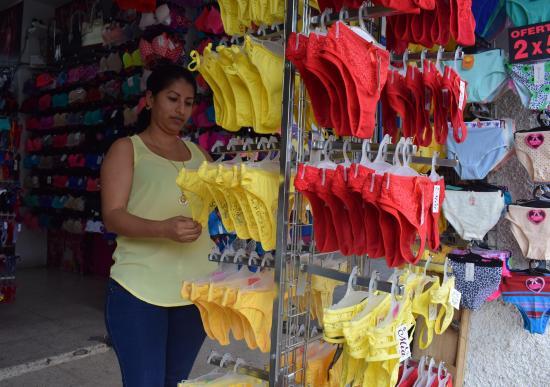 De rojo y amarillo