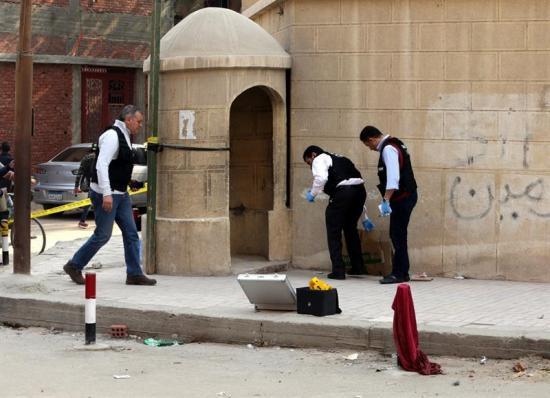 Ataque armado contra una iglesia deja 10 muertos en Egipto