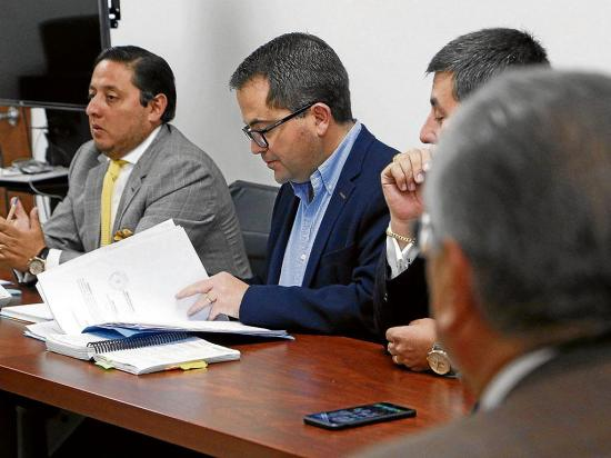 Reformulan cargos contra exfuncionarios del IESS