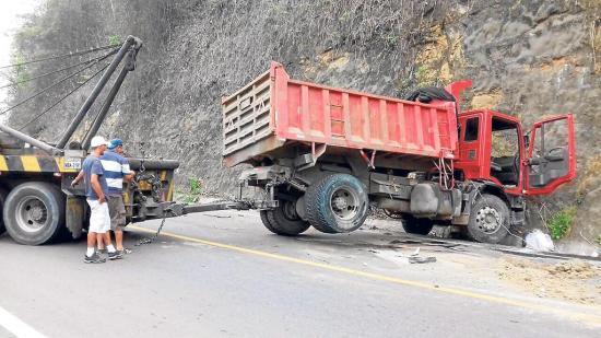 Mecánico muere aplastado por una volqueta en un accidente