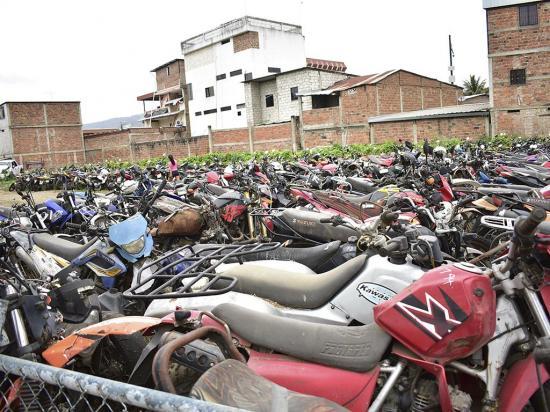 """El """"cementerio' de los 1.601 vehículos"""