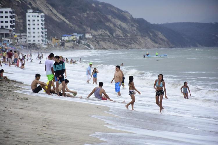 Las playas y balnearios fue el sitio preferido para muchos en el primer día del año. Con ello se da inicio a la temporada playera 2018.