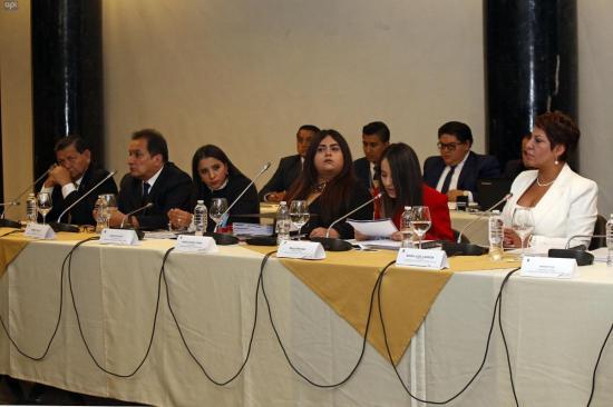 Inicia sesión para avocar conocimiento de juicio político a Jorge Glas