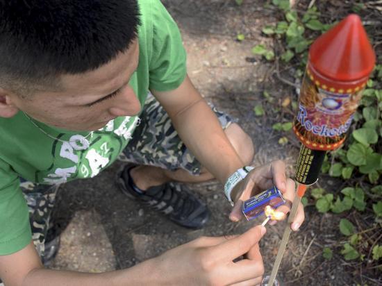 El uso de explosivos afecta a 40 menores