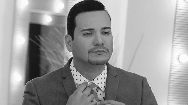 El cantante Víctor Manuelle de luto por muerte de su padre