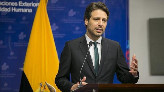 Guillaume Long renuncia a cargo en la ONU y llama desleal al presidente Moreno