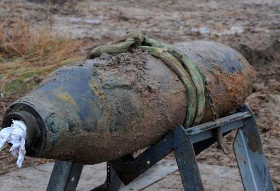 8 muertos al estallar una bomba tras golpearla con un martillo en Filipinas