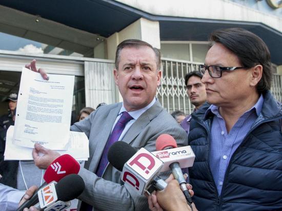 Páez y Villavicencio declararon ante la Fiscalía por caso Glas