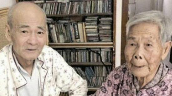 Dos hermanos se reencuentran tras 78 años separados por la guerra en China