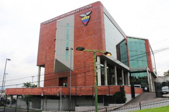 La Justicia ecuatoriana suspende el contrato de la FEF y GolTV