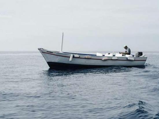 Polonia un marinero y su gata sobreviven  7 meses a la deriva