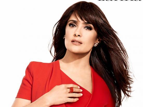 Salma Hayek es una de las conductoras de los premios Globos de Oro