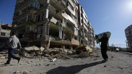 Más de 50 heridos en un nuevo sismo en provincia iraní damnificada