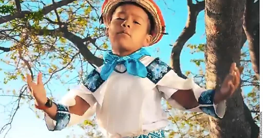Yuawi, el pequeño que se volvió famoso gracias al ritmo pegajoso de 'Movimiento Naranja'
