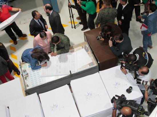 Impreso el 87% de las papeletas para consulta popular y referéndum