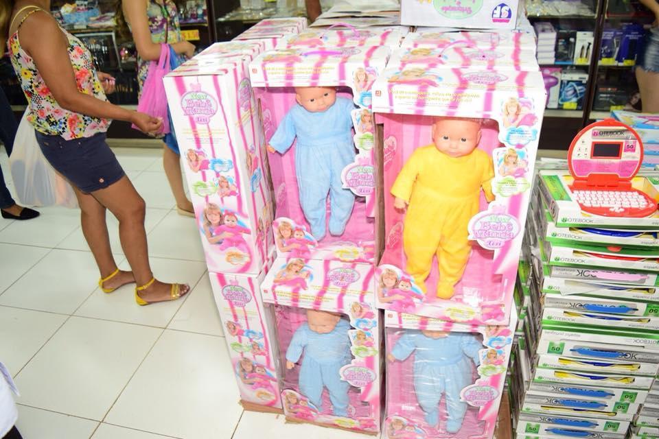Decomisan cientos de 'muñecas trans' en Paraguay