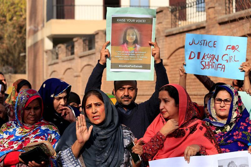 Ciudad paquistaní paralizada por protestas tras asesinato de niña de 7 años