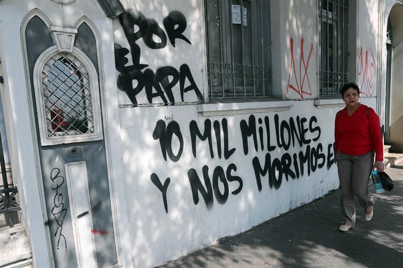 Atacan a iglesias y amenazan al papa a pocos días de su llegada a Chile