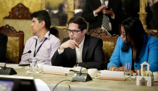 Carlos Bernal renuncia la Secretaría de la Reconstrucción